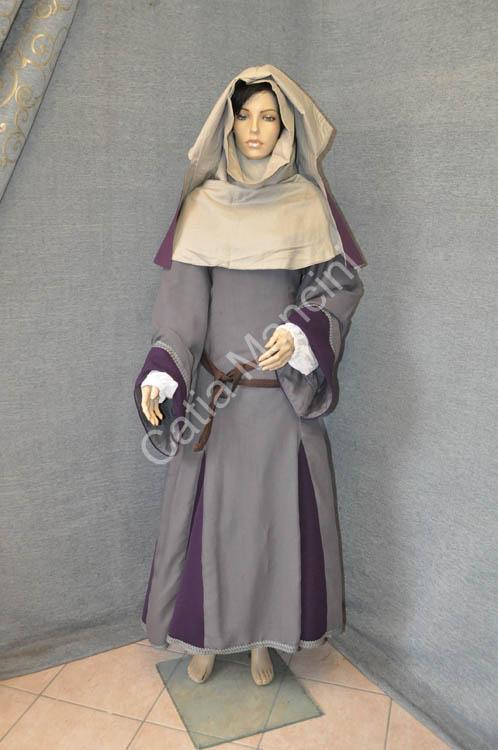 vestiti medioevali donna