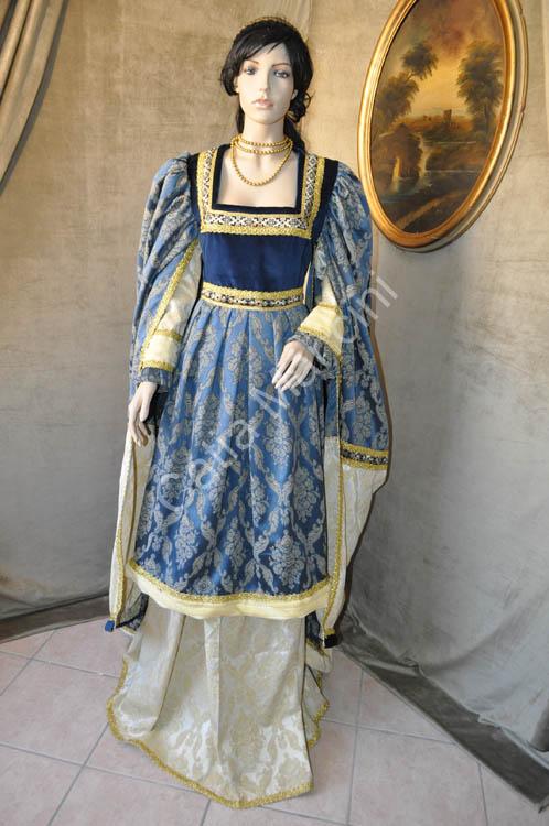 Costume-medievale-donna / abbigliamento donna del medioevo